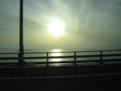 瀬戸大橋の朝日